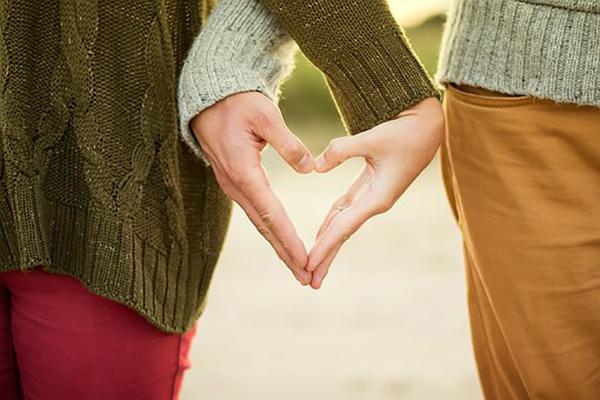 メンヘラ女性と付き合う方法とコツ|メンヘラ彼女と付き合って